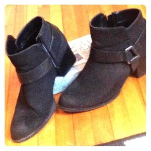 Mossimo matte black booties